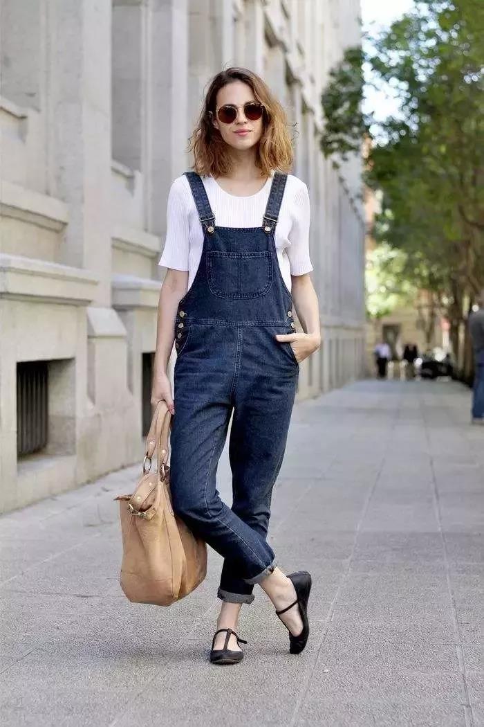 35岁女人穿搭不用愁,学会这5种服装搭配技巧,轻松显瘦又显高